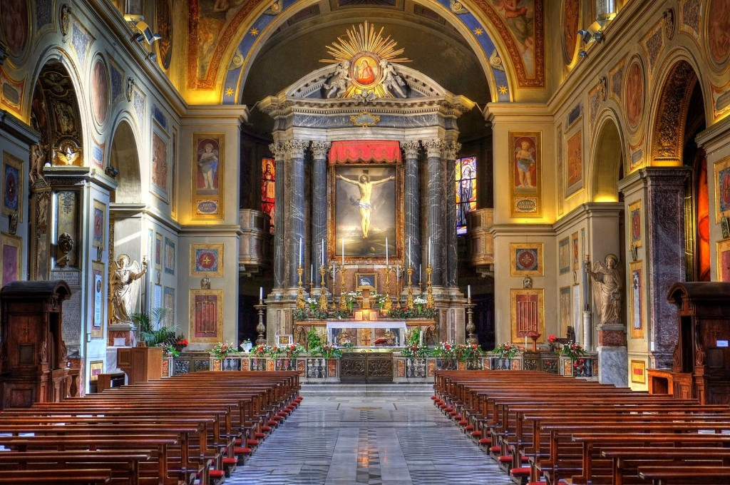 San Lorenzo in Lucina - L'interno della basilica